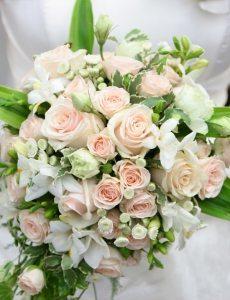 Crémefarbene – Brautsträuße
