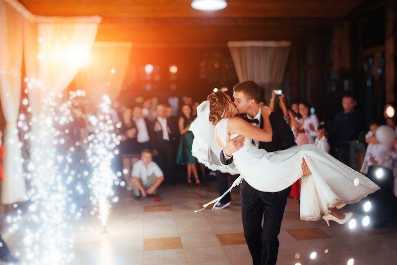 romantischer Hochzeitstanz