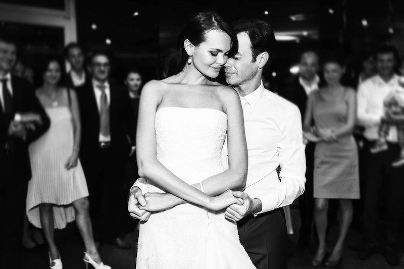 Hochzeitstanz von Braut und Bräutigam