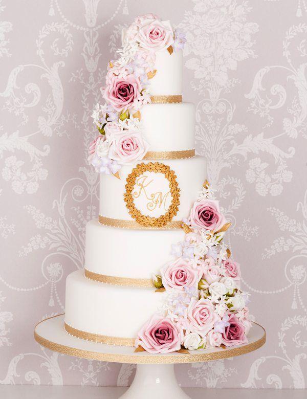 fünfstöckige Hochzeitstorte mit Blumen