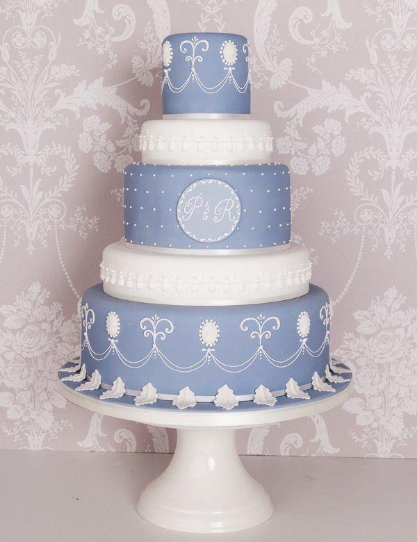 fünfstöckige Hochzeitstorte in Blau und Weiß