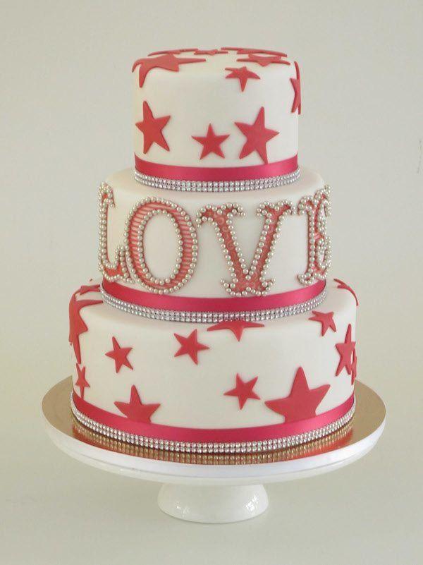 Hochzeitstorte in Pink und Weiß