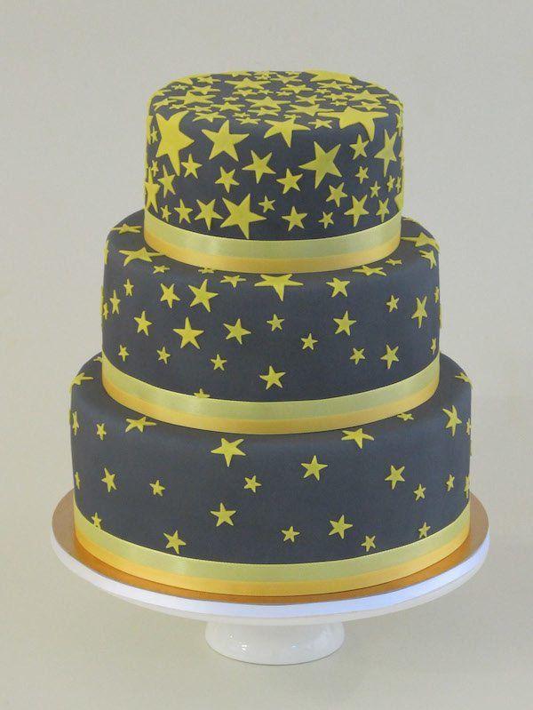 Hochzeitstorte mit Sternen