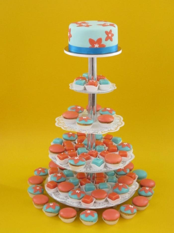 Hochzeitstorte aus Cupcakes