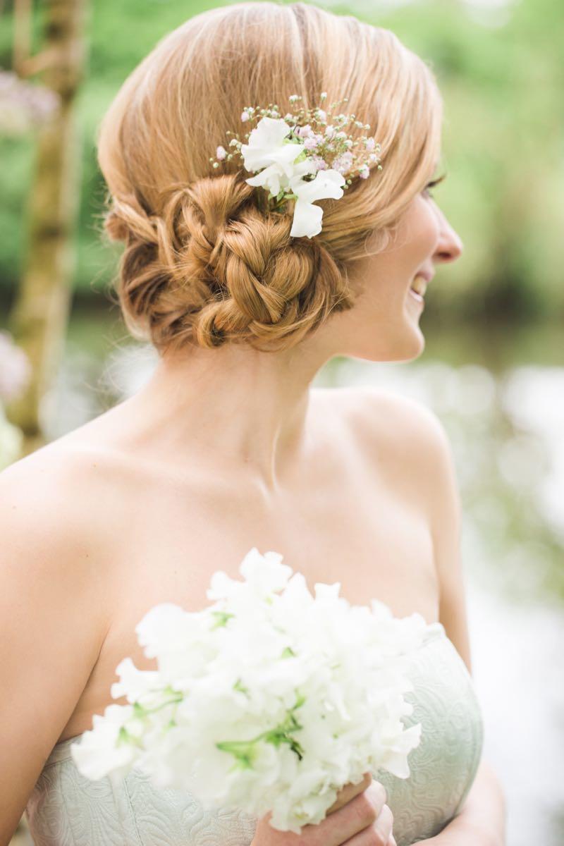 schlichte Frisur für Brautjungfern
