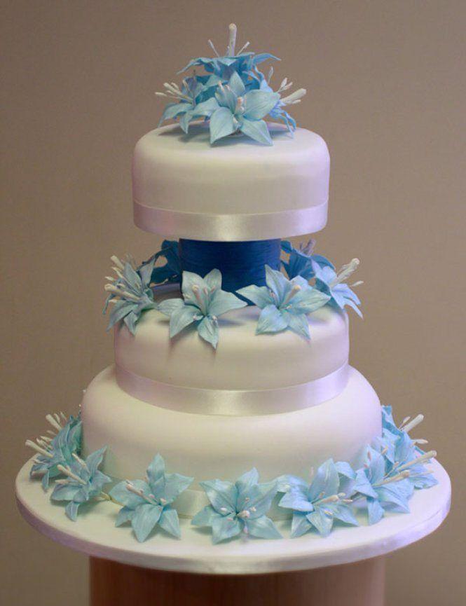 Hochzeitstorte mit Blüten