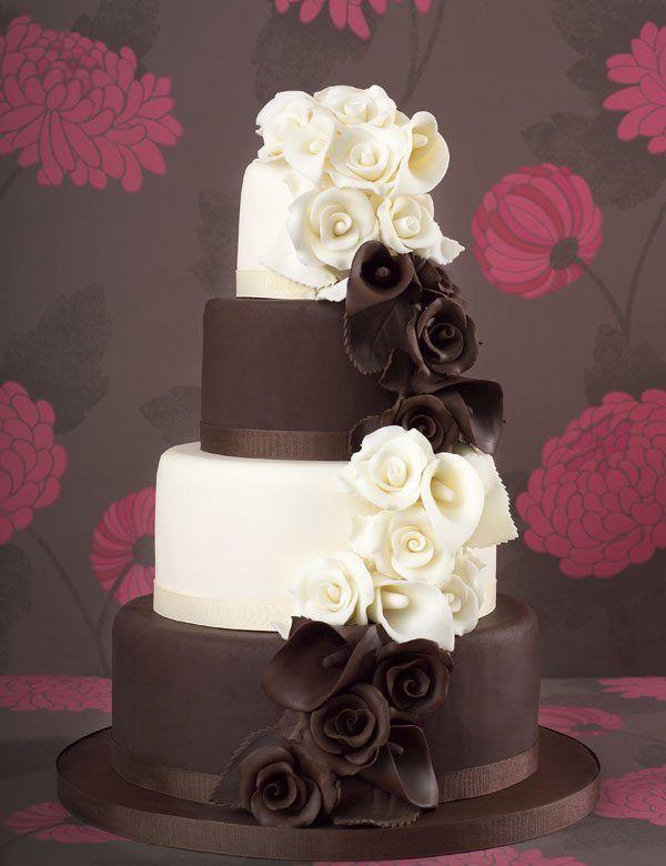edle Hochzeitstorte in Schwarz und Weiß