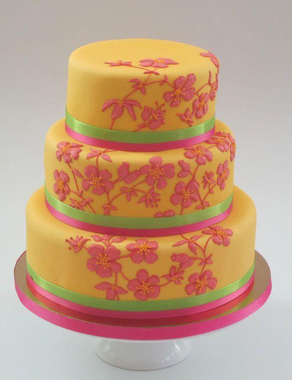 Hochzeitstorte in Gelb und Pink