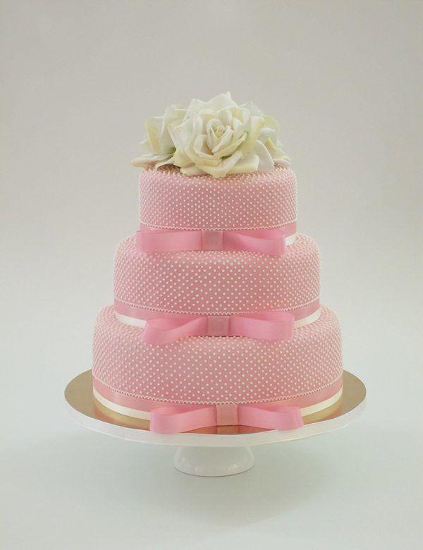 Hochzeitstorte in Rosa