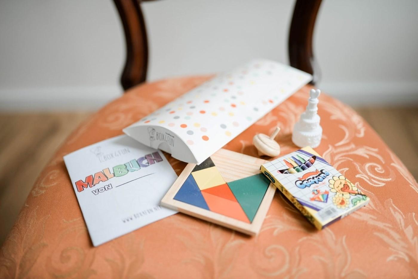 Box4Fun Minibox mit Spielzeugen für Kinder