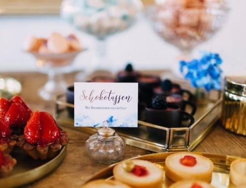 Hochzeitskonzept: Blau & Gold