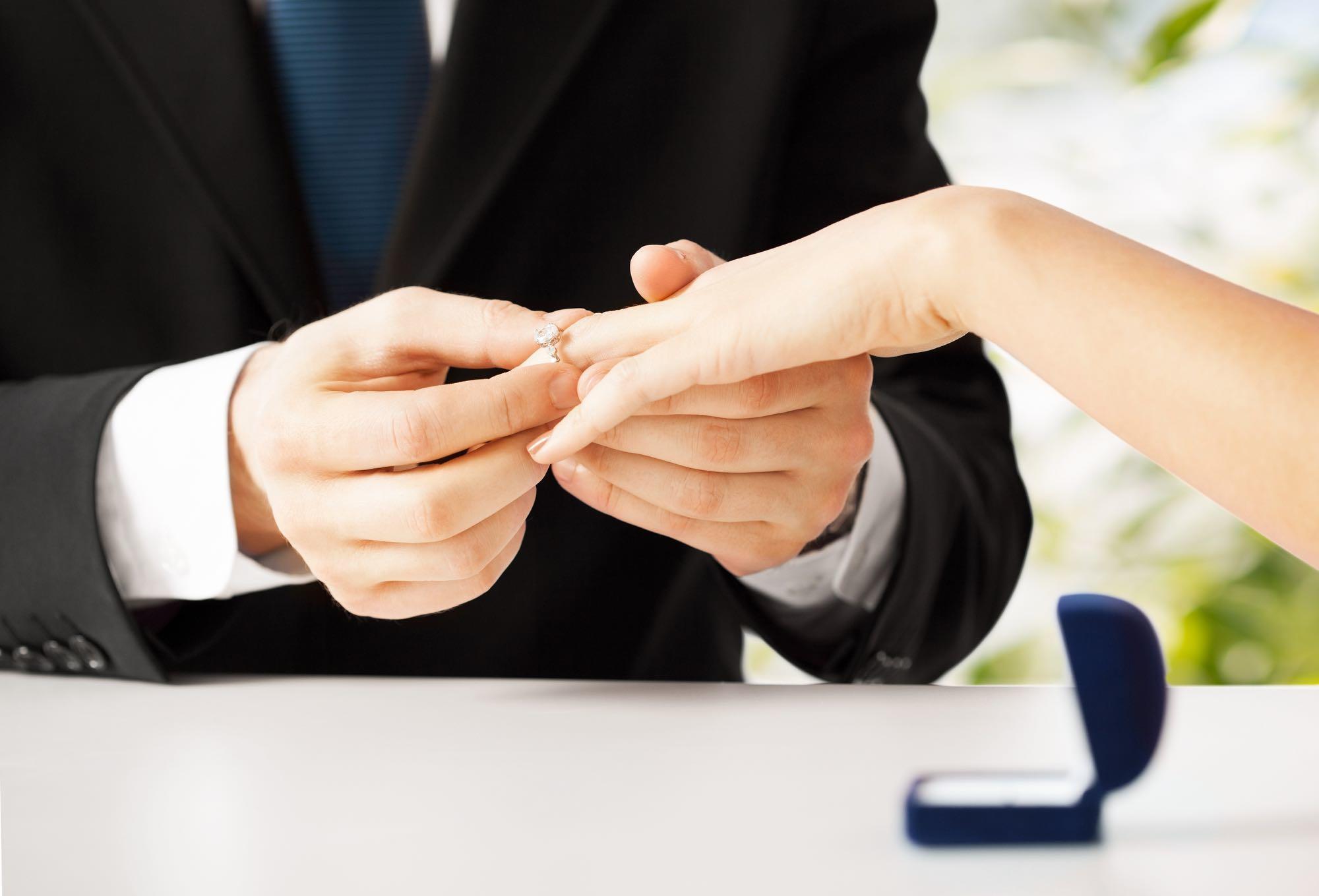Verlobungsring Übergabe