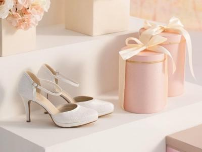 AVALIA shoes Model MAYA