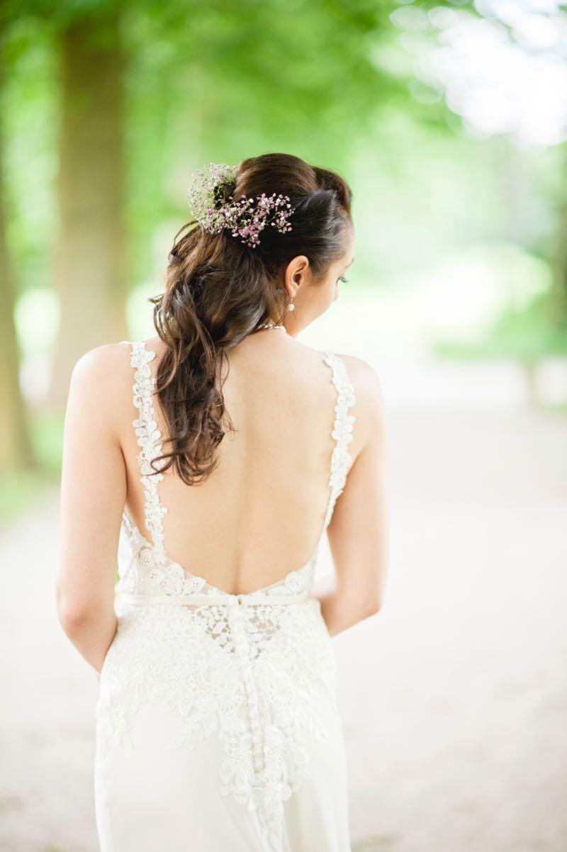 Brautfrisur offenes Haar im Sommer-Look
