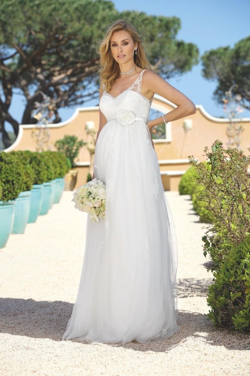 Brautkleid von Ladybird für Schwangere
