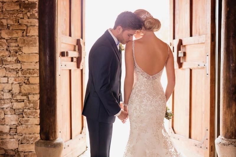 Brautkleid von Essense of Australia