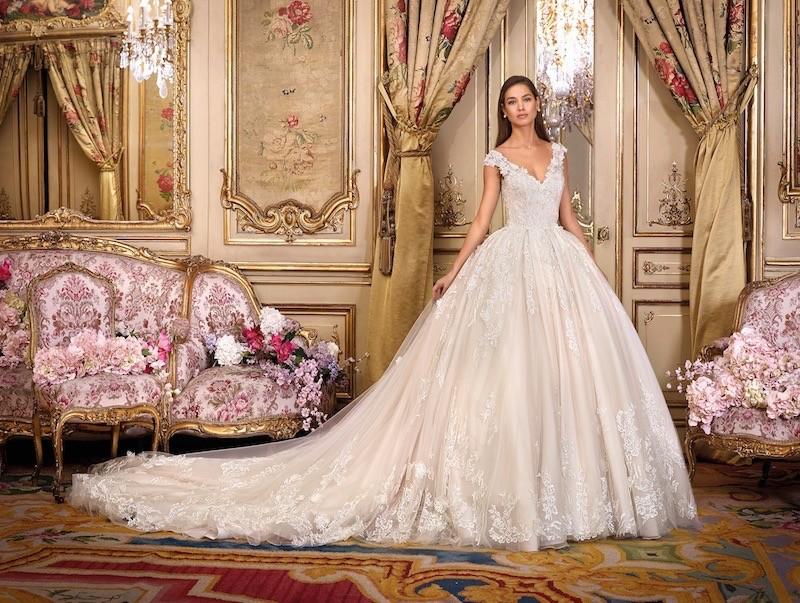 Brautkleid von Platinum by Demetrios