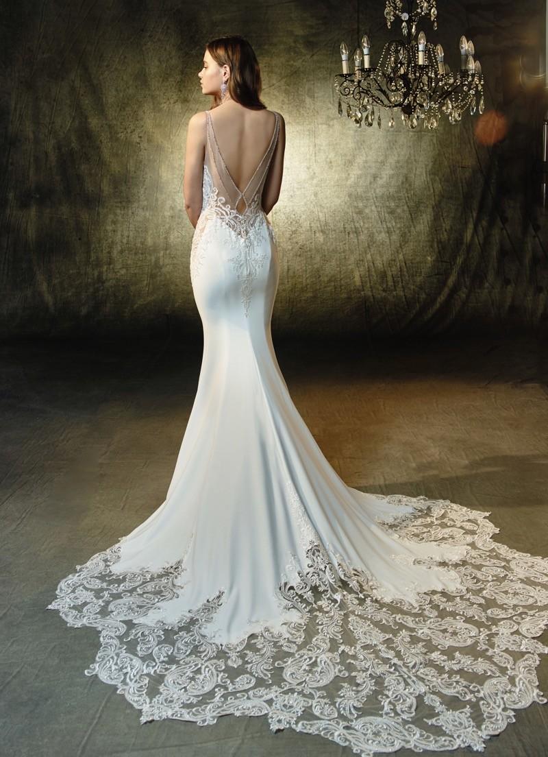 Sinnliche Spitze Die Neue Brautmode Von Enzoani