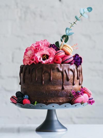 Schoko Drip Cake mit Blumen