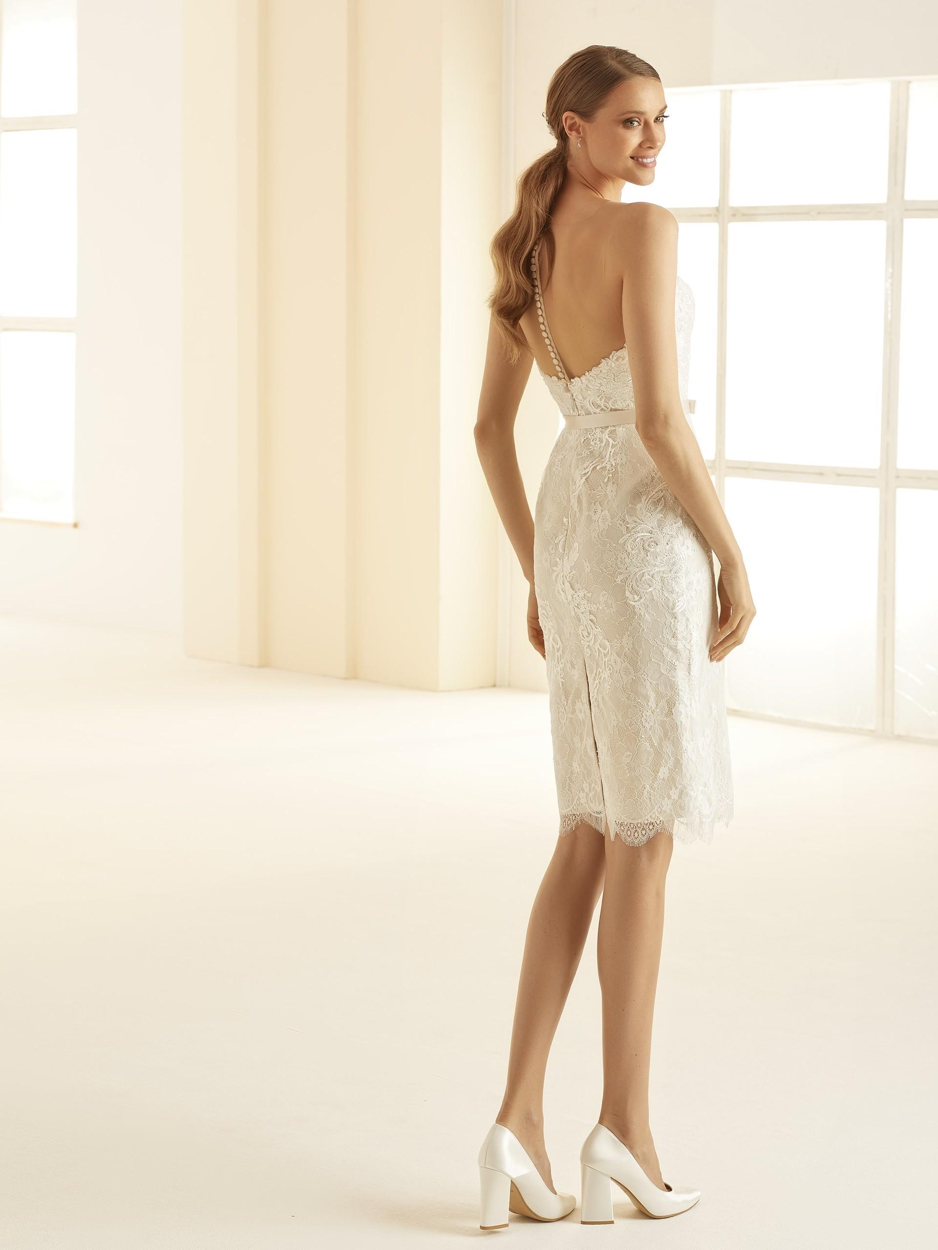 Kurzes Brautkleid Modell Naomi von Bianco Evento