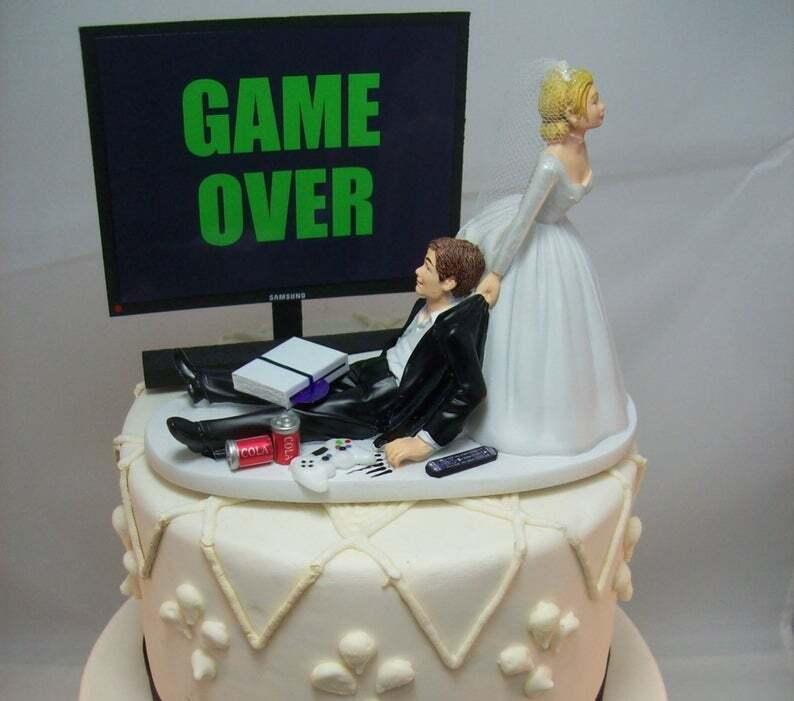 Lustige Tortenfigur für die Hochzeit