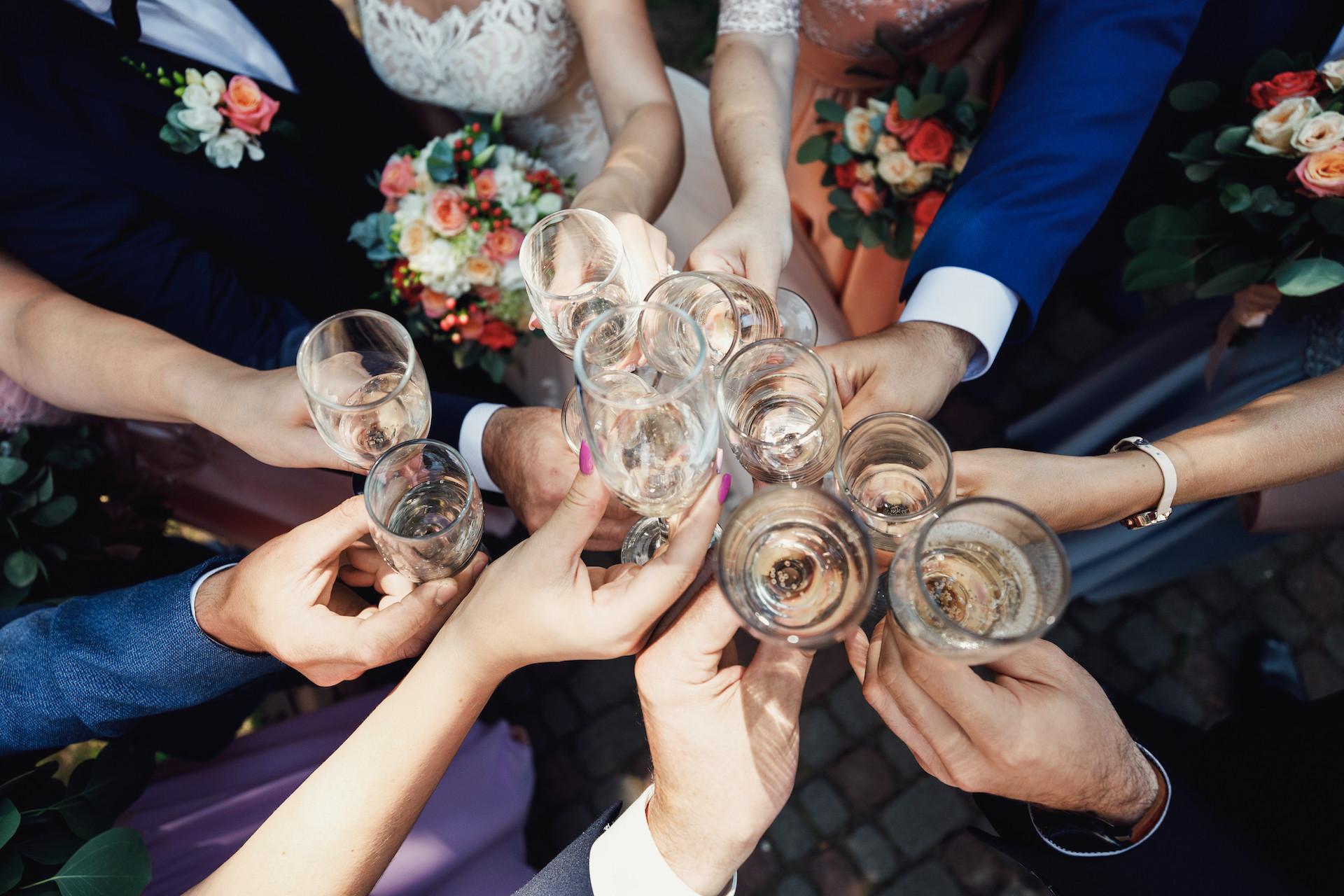 Hochzeitsspiele für alle Gäste zum Mitmachen
