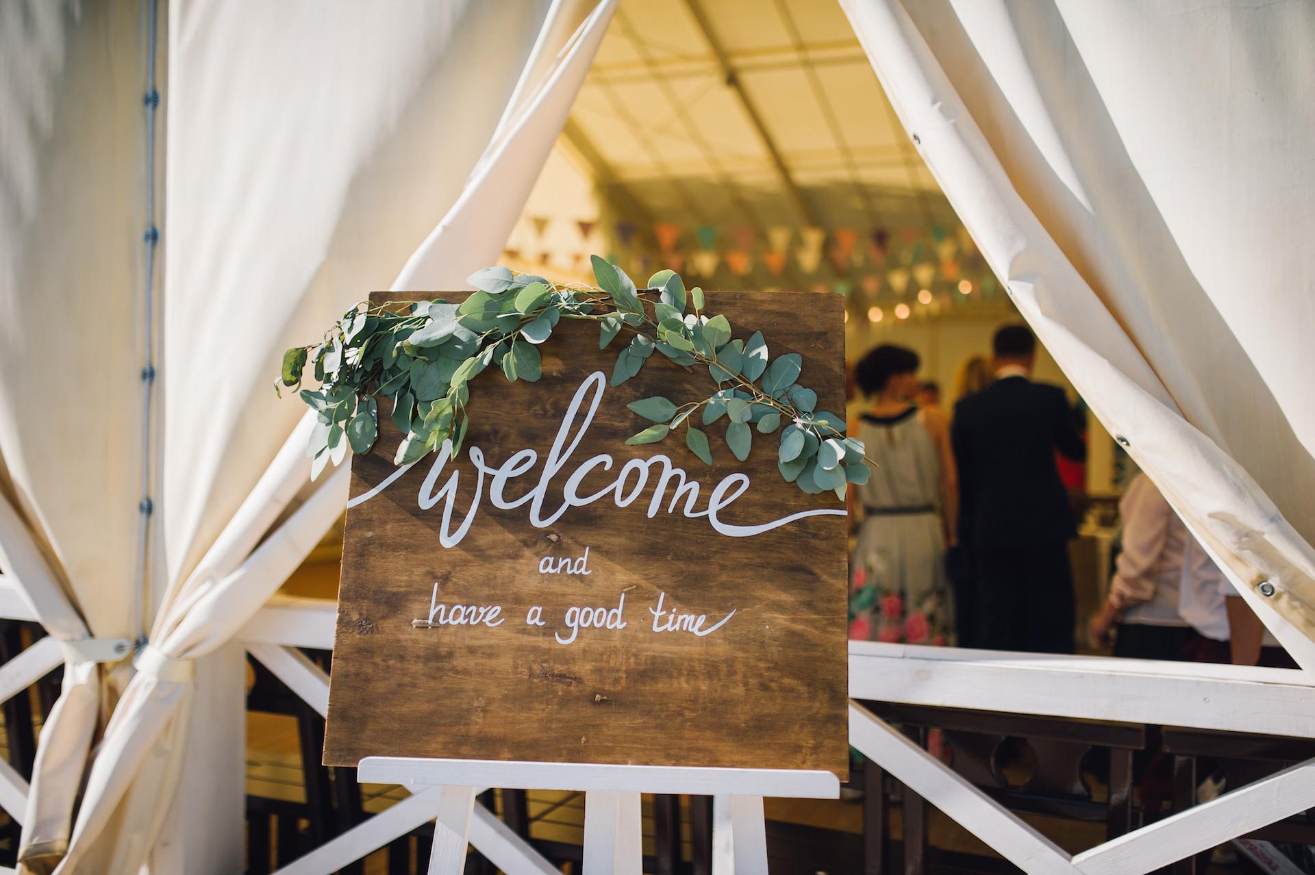 Willkommensschild für Hochzeit
