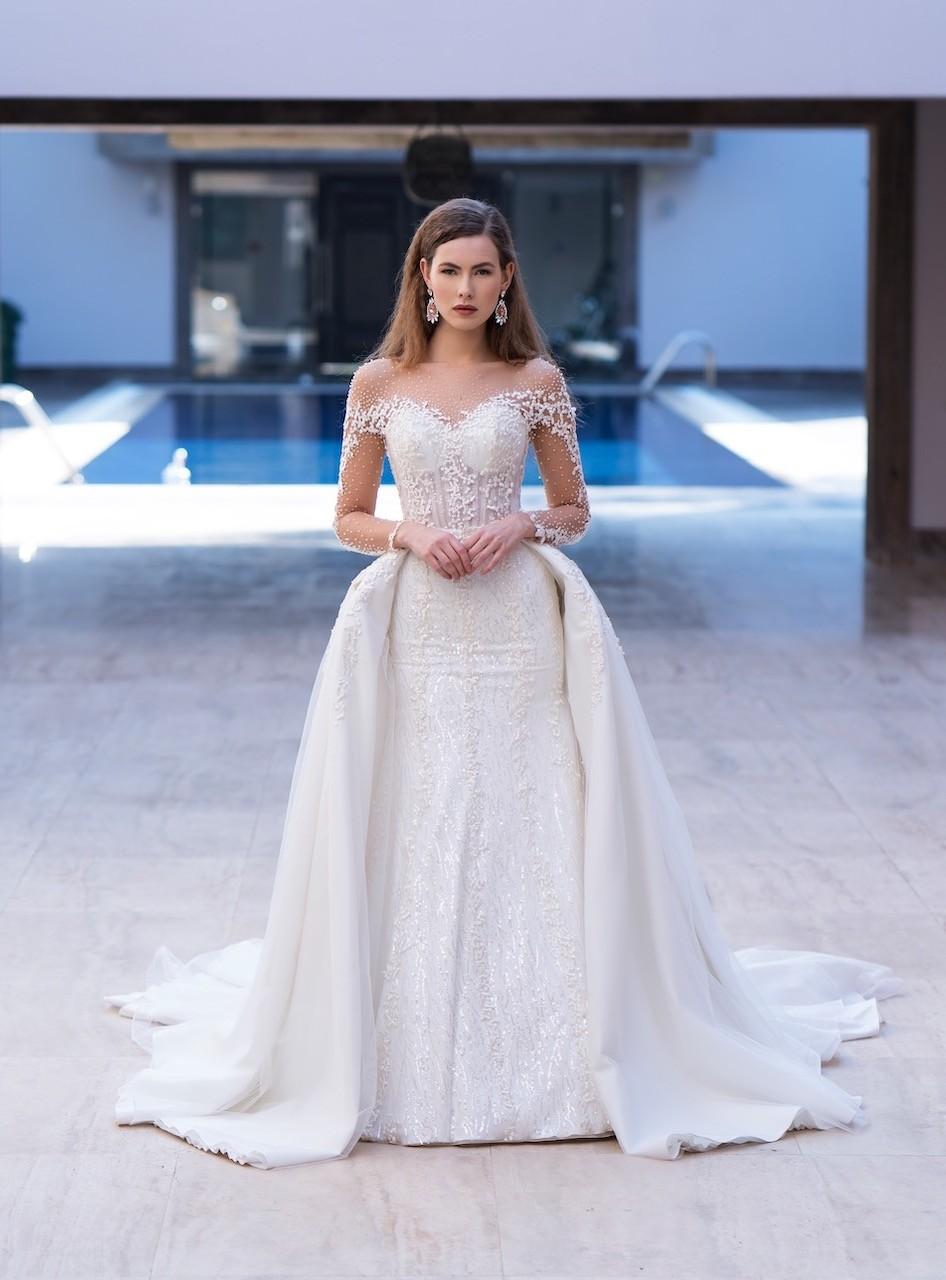 Fit & Flare-Brautkleid mit abnehmbarer Schleppe  Emine Yildirim