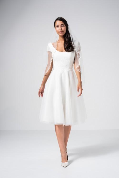 Knielanges Hochzeitskleid mit Tüllrock, Siptzentop, Rundhalsausschnitt und Cap-Ärmeln aus Spitze von Weise Be The One, Modell 338026