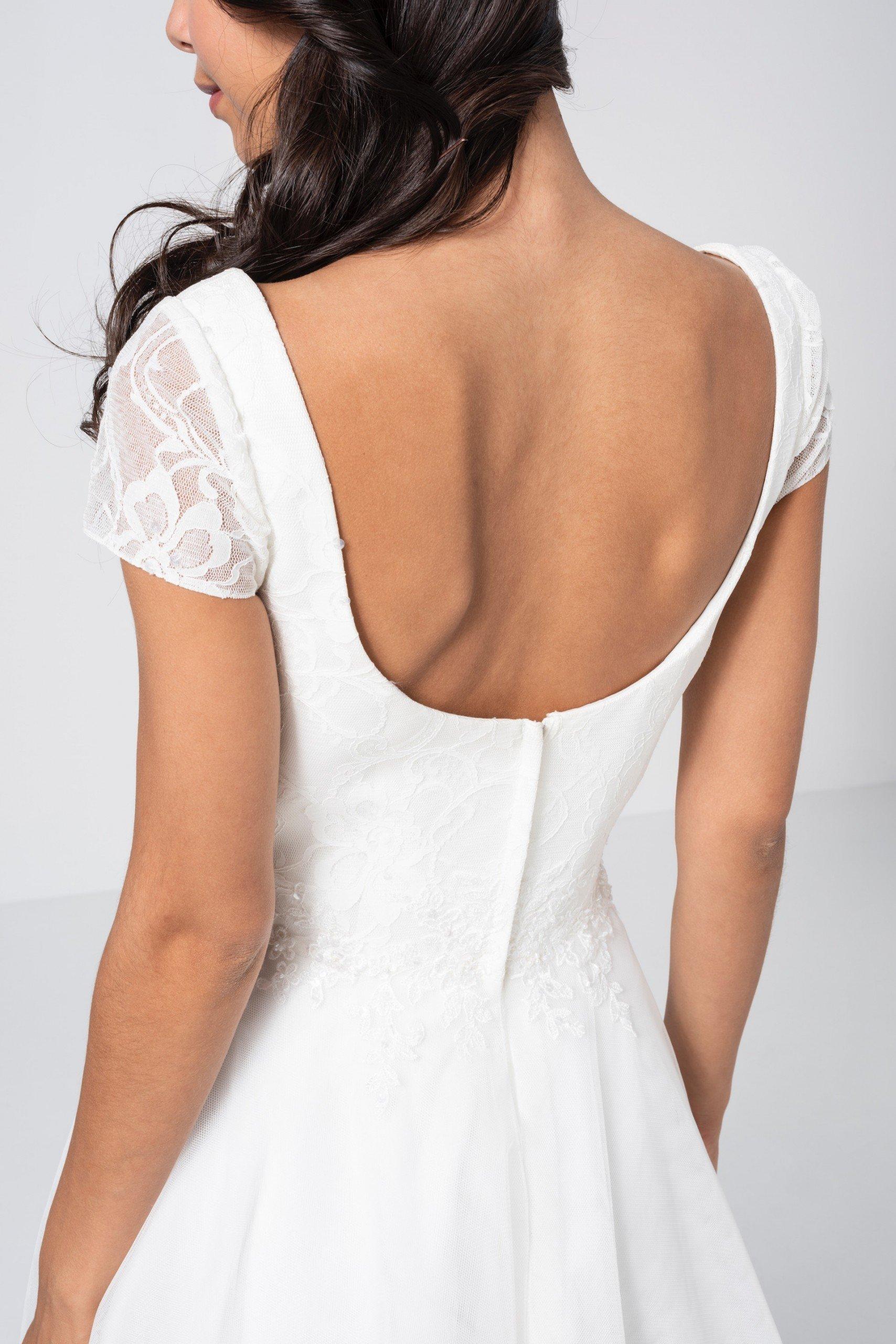 Knielanges Hochzeitskleid mit Tüllrock  Weise  braut.de