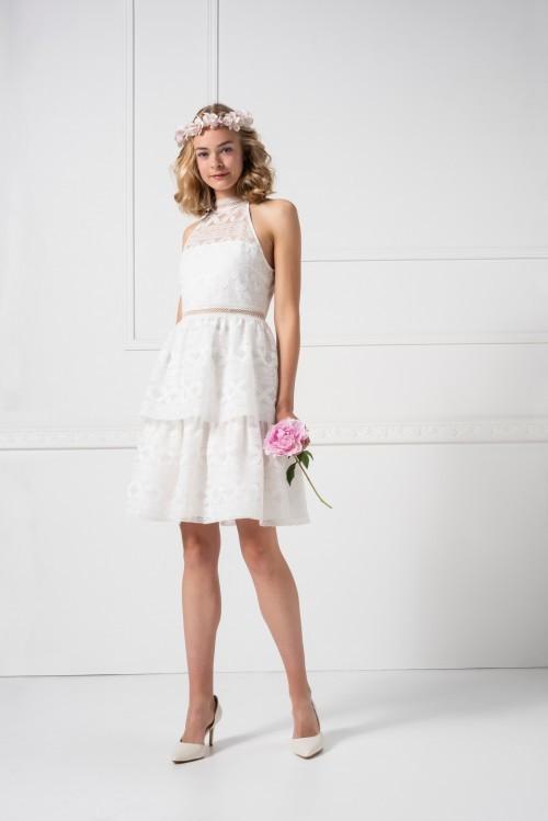 Kurzes Hochzeitskleid aus geometrischer Spitze mit Etagenrock und Neckholder-Ausschnitt von Weise Essentials, Modell 448216