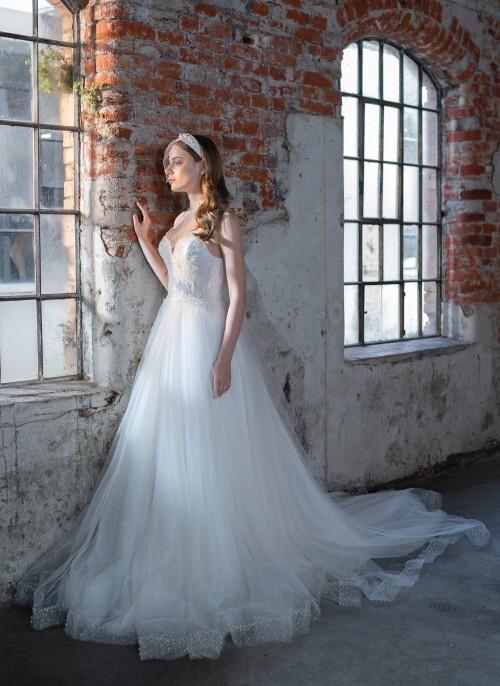Prinzess-Brautkleid mit Sweetheart-Ausschnitt, Tüllrock und Schleppe von Emine Yildirim, Modell 9034