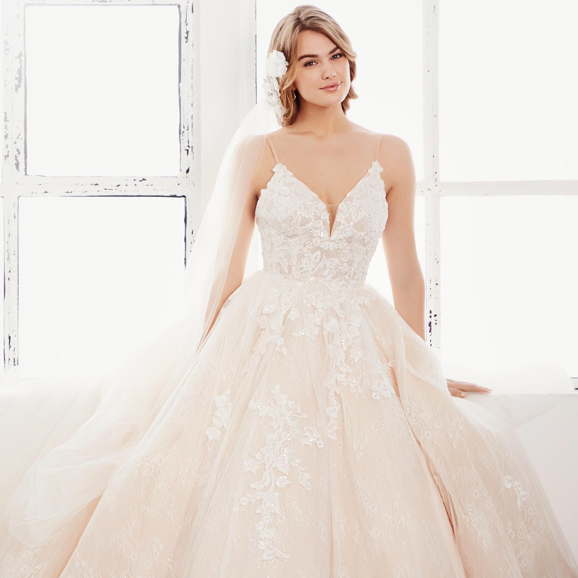 Brautkleid von Passions by Lilly Style 08-4192