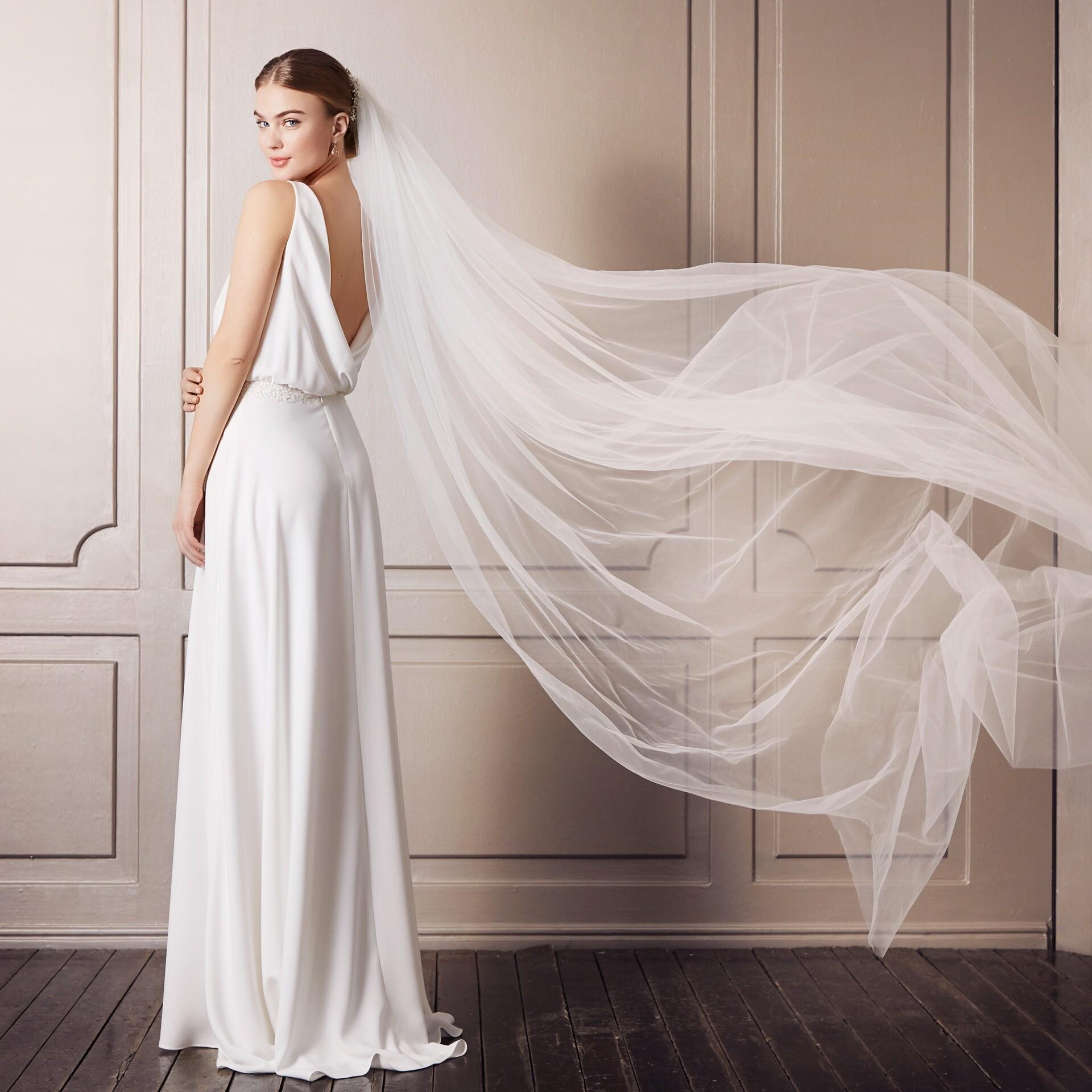 Brautkleid von Purewhite by Lilly Style 08-4186