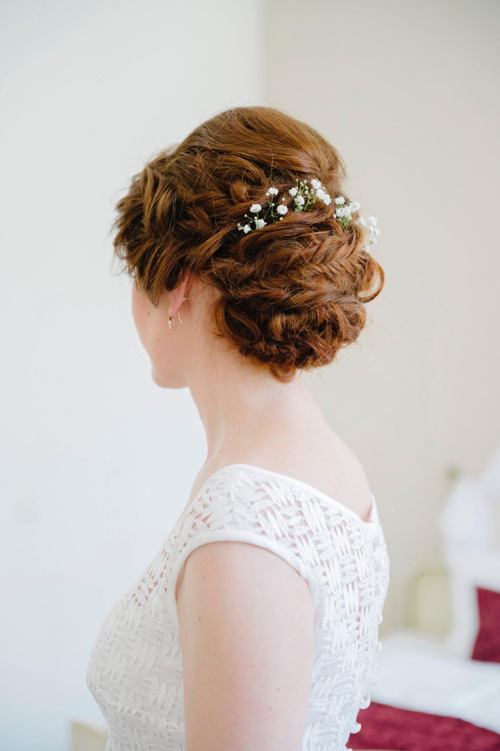 Hochzeitsfrisur für langes Haar