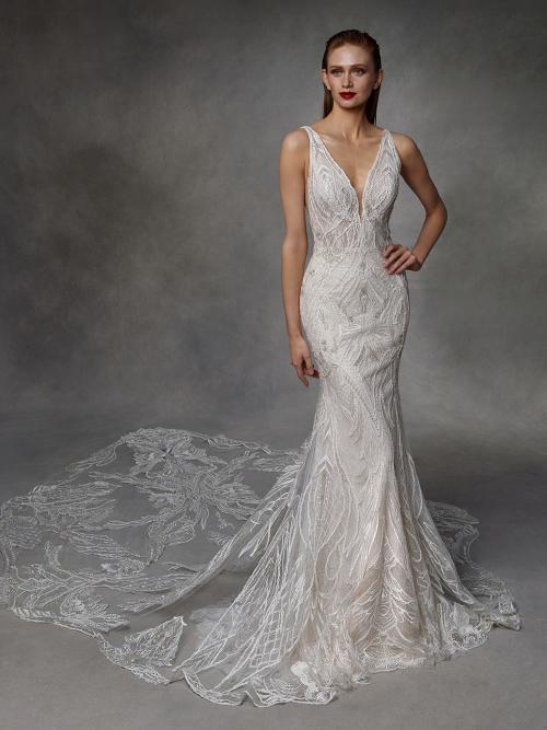 Fit-and-Flare-Brautkleid in Puder mit V-Ausschnitt und langer Schleppe von Badgley Mischka, Modell Dawson