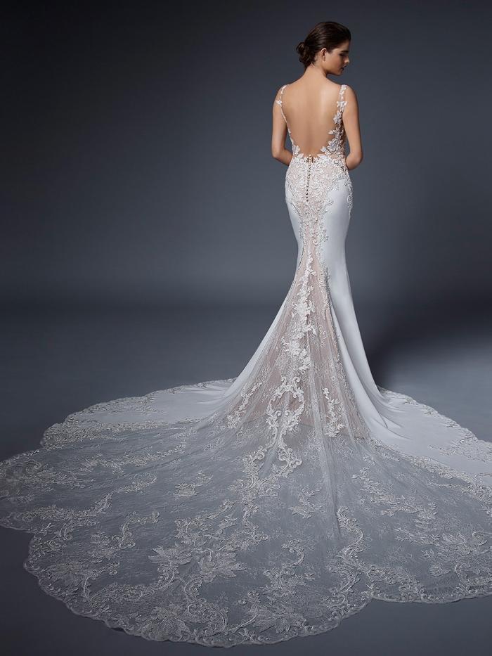 Fit-and-Flare-Brautkleid mit Kontrastspitze, Plunge-Ausschnitt, transparenten Cut-outs und Schleppe von Elysée, Modell Nadiya