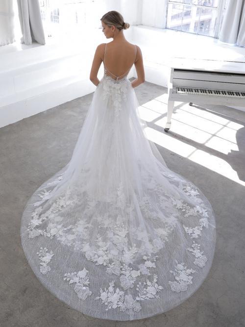 Fit-and-Flare-Hochzeitskleid mit transparentem Top und abnehmbarer Schleppe von Blue by Enzoani, Modell Nicolina