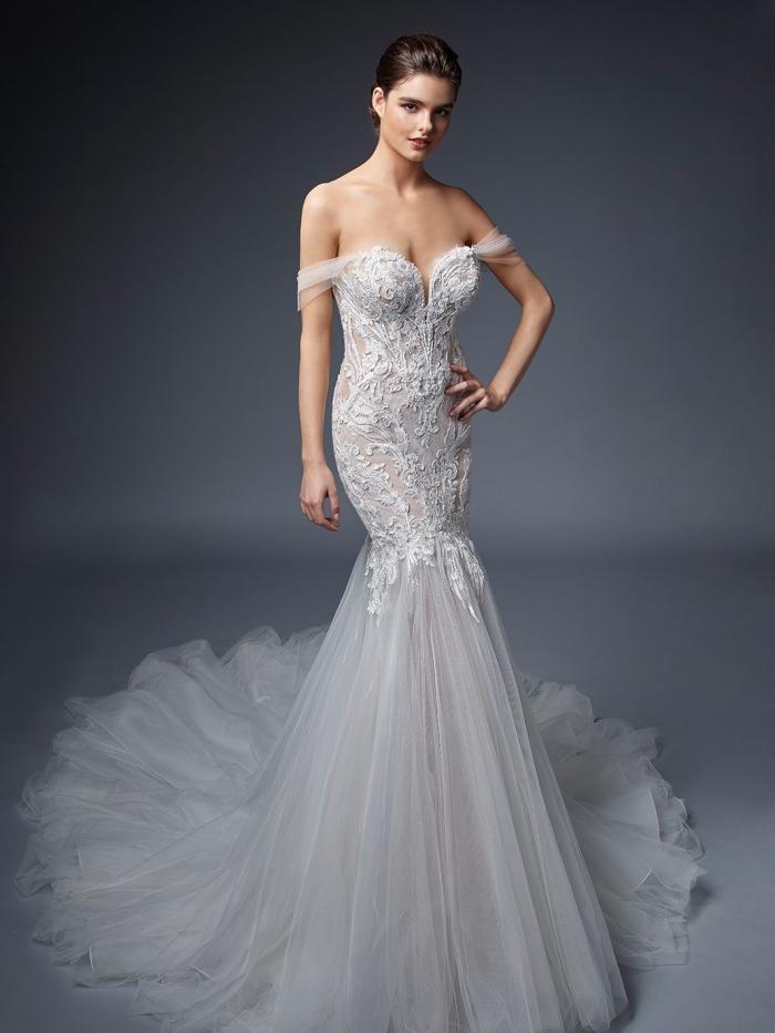 Fit-and-Flare-Hochzeitskleid mit Spitze, Off-Shoulder-Trägern, tiefem Rücken und Schleppe von Elysée, Modell Margaux