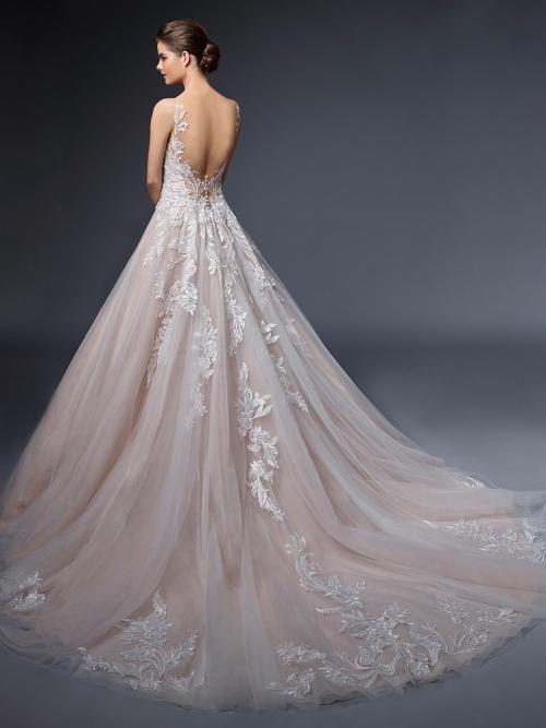 Rosafarbenes Brautkleid im Prinzessschnitt mit Kontrastspitze, Schleppe und tiefem Rückenausschnitt von Elysée, Modell Emmanuelle