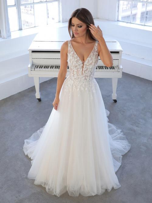 Weißes Hochzeitskleid im Prinzess-Stil mit Tüllrock und V-Ausschnitt von Blue by Enzoani, Modell Niva