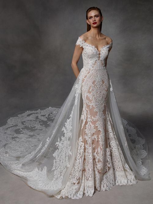 Wandelbares Brautkleid mit Carmen-Ausschnitt und abnehmbarer Schleppe von Badgley Mischka, Modell Dessie
