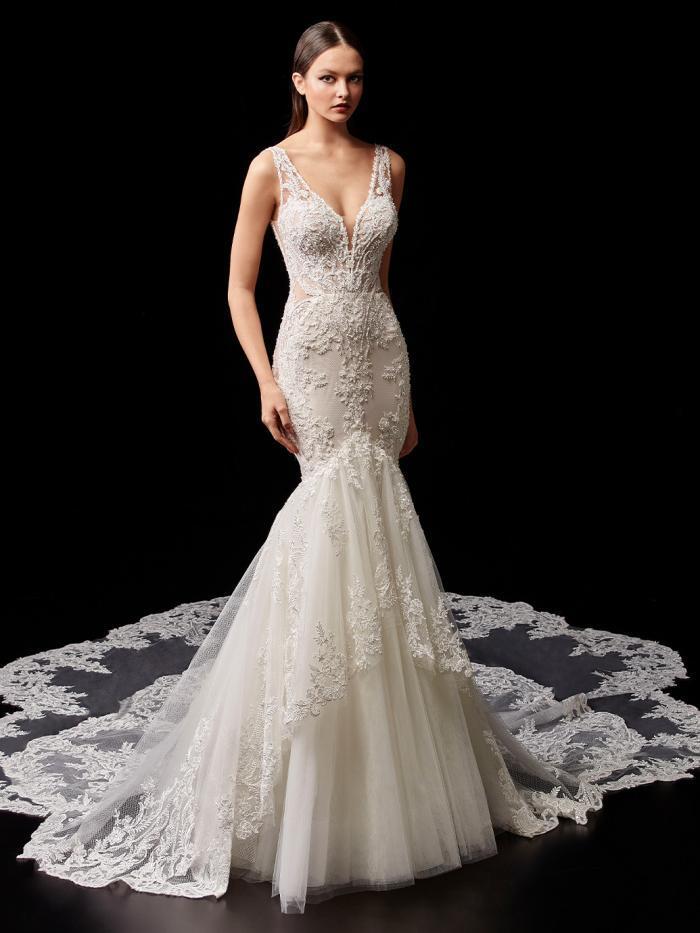Brautkleid mit Tüllrock, Spitzen-Layering, tiefem Rücken und Schleppe von Enzoani, Modell Pamela