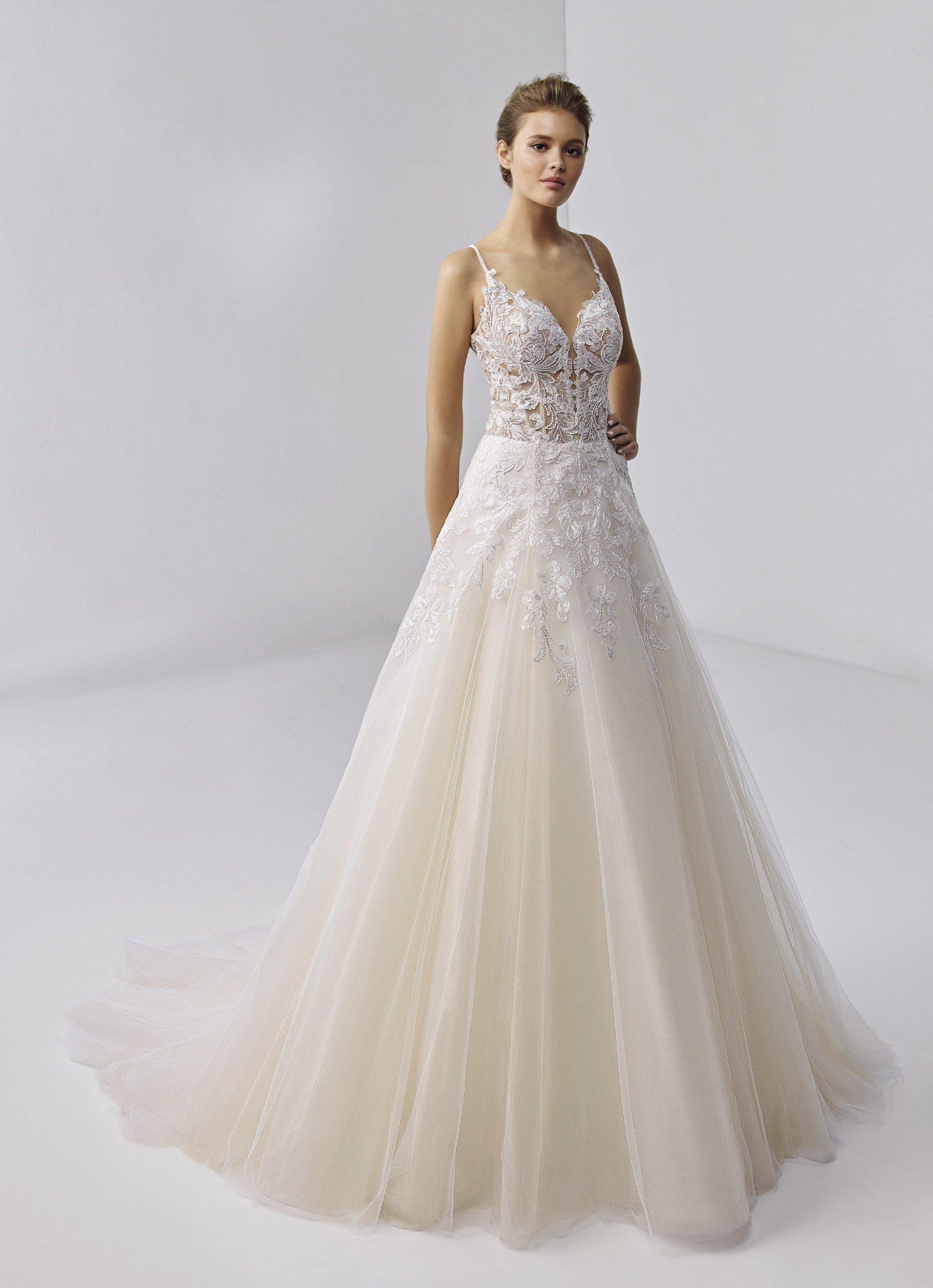 Brautkleid im Prinzess-Schnitt mit Tüllrock, transparentem Spitzentop und Spaghettiträgern von Etoile, Modell Etiennette