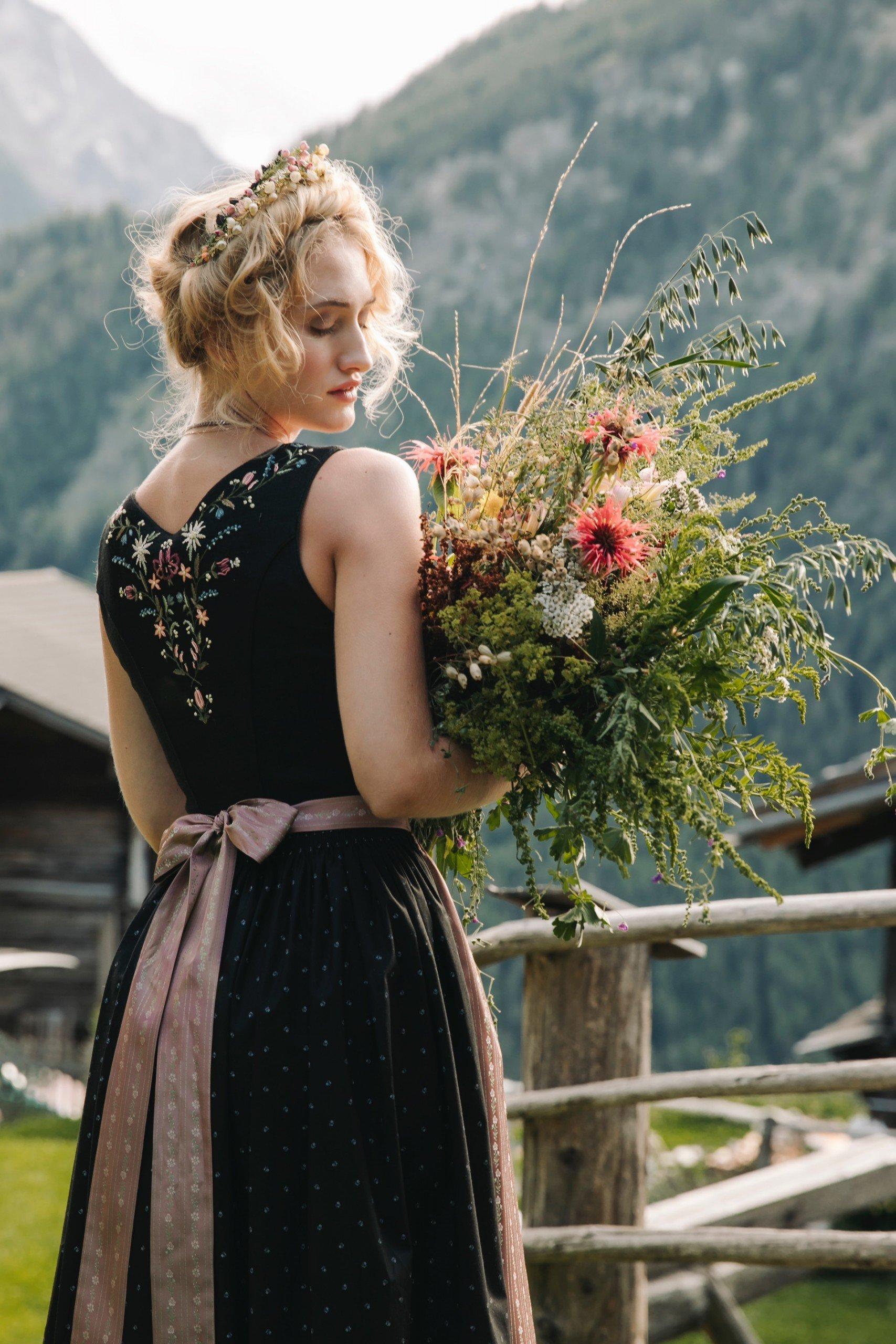 Hochzeitsdirndl von Lena Hoschek