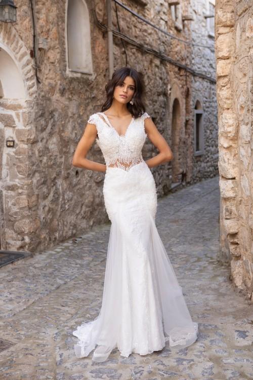 Bauchfreies Fit-and-Flare-Brautkleid mit V-Ausschnitt und Cap-Ärmeln von Emine Yildirim, Modell 2053