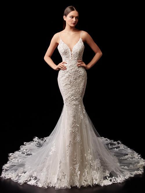 Rückenfreies Brautkleid mit Spitze, Plunge-Ausschnitt und Spaghettiträgern von Enzoani, Modell Peach