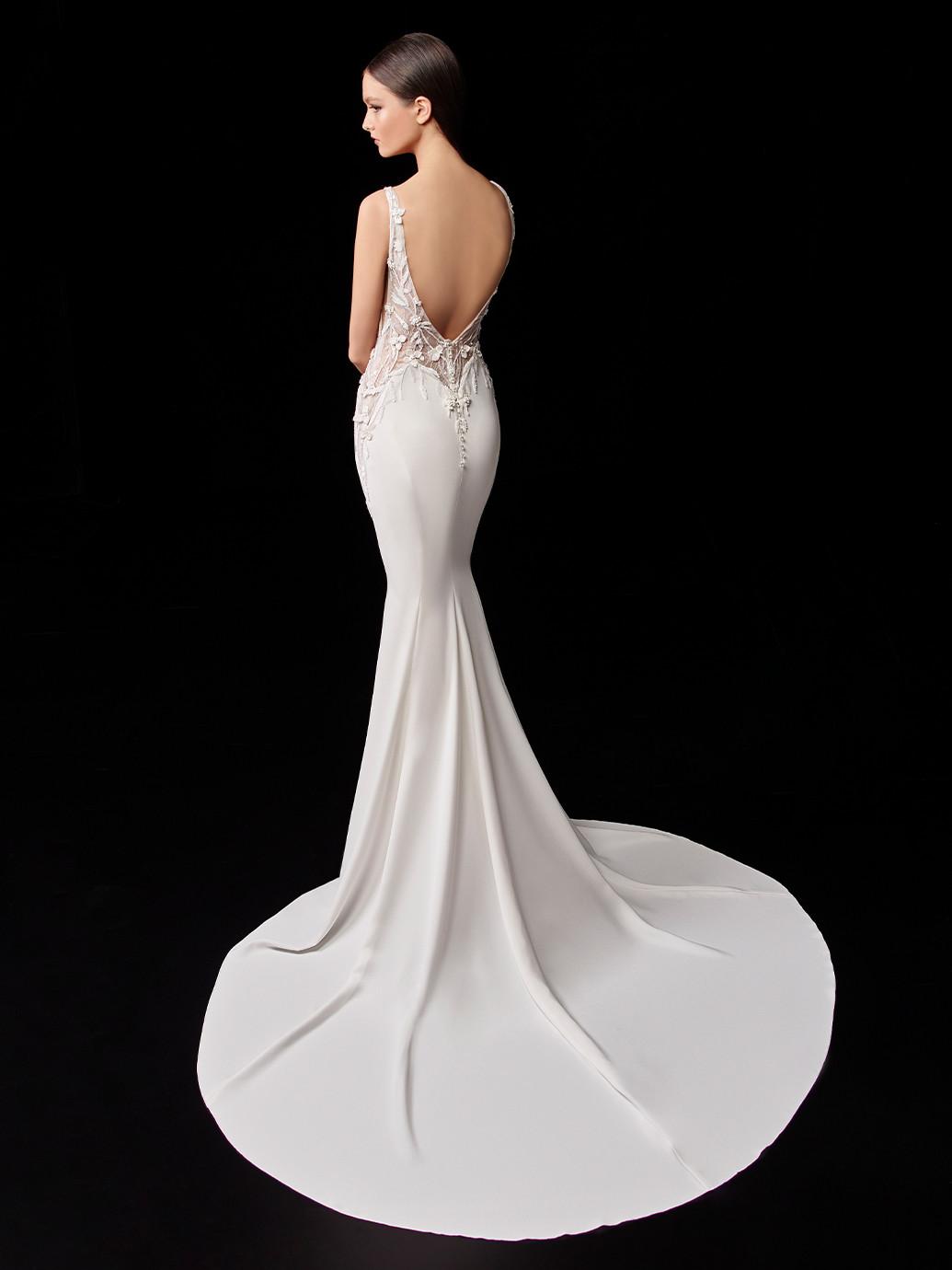 Weißes Satin-Brautkleid im Godet-Schnitt mit Spitzentop und abnehmbarem Cape von Enzoani, Modell Patty