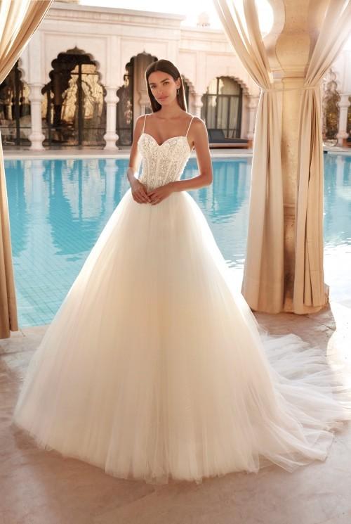 Prinzess-Brautkleid mit Tüllrock und transparentem Spitzentop mit Sweetheart-Ausschnitt von Demetrios, Modell 1109