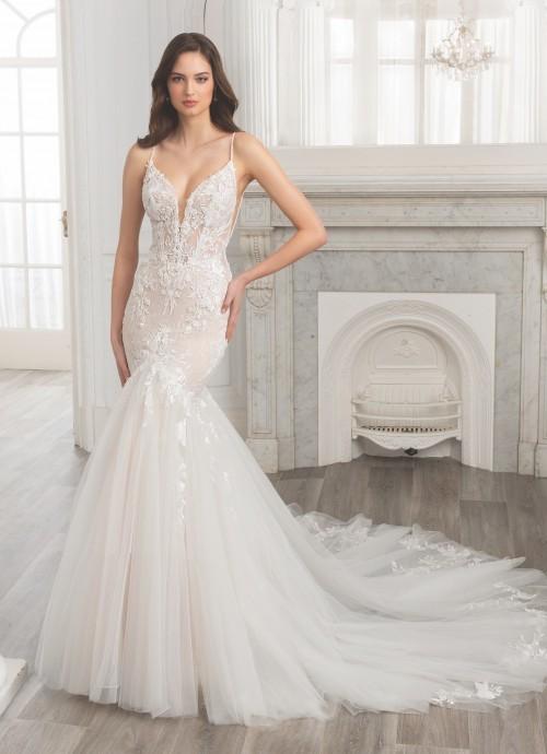 Brautkleid mit Plunge-Ausschnitt und Spaghettiträgern von Etoile, Modell Elia